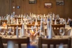 Die fertig gedeckten Tische im Oberhaus (© Preinfalk/Opitz)