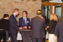 Die Gäste beim Cocktail-Empfang (© Preinfalk/Opitz)
