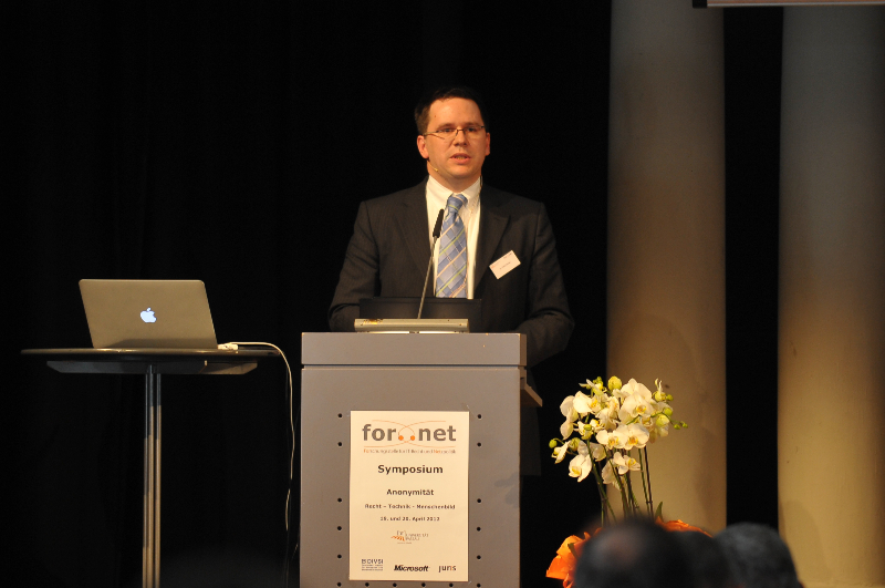 Dr. Phillip W. Brunst, Cybercrime Research Institute in Köln und Berlin